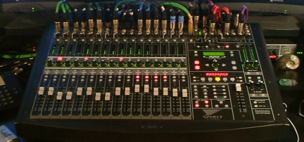 Soundcraft Spirit 328 digital mixer